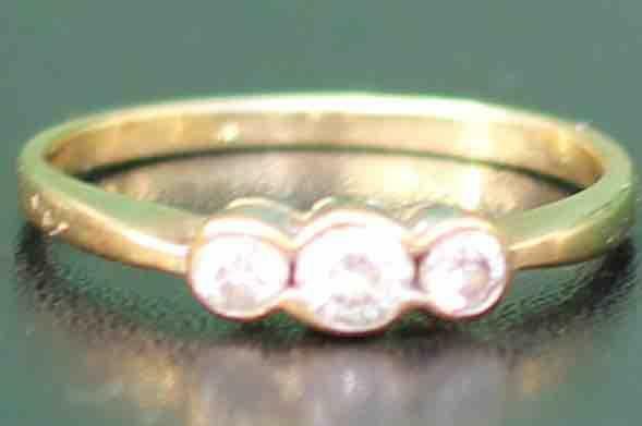 9CT-GOLD-3-DIAMOND-ENGAGEMENT-RING-16G-UK-O-US-725-283284362451