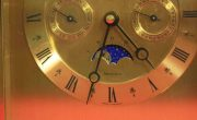 VINTAGE-TIFFANY-CO-MONTH-TIME-DAY-DATE-MOON-PHASE-MANTLE-DESK-CALENDER-CLOCK-283371324281-2