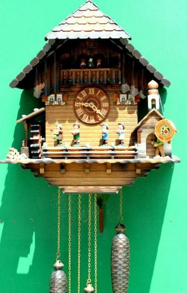 THREE-WEIGHT-BLACK-FOREST-MUSICAL-CUCKOO-CLOCK-283656283409